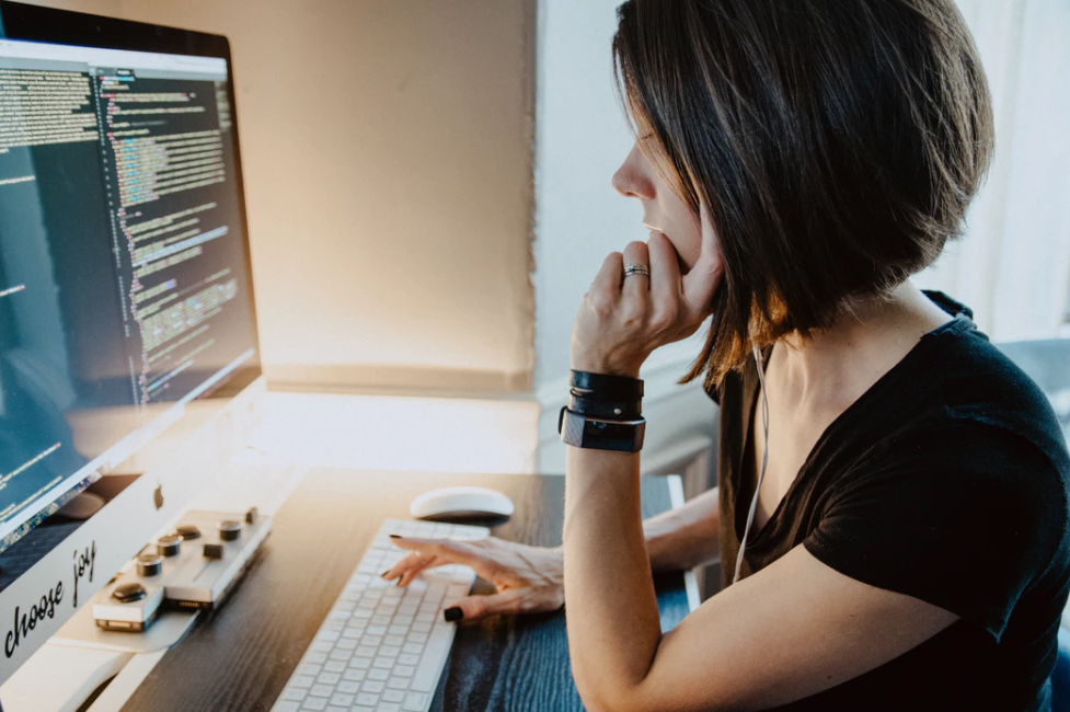 A women choosing copyright free music