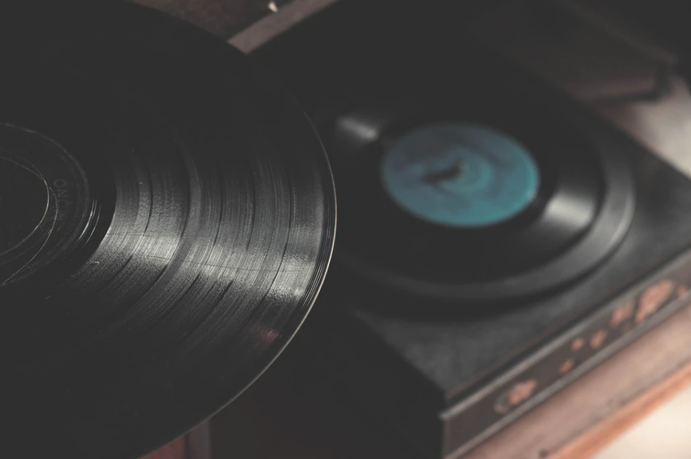 Choosing the right music for advertising agency