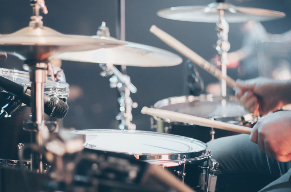 Drums for creating suspense in instructional videos